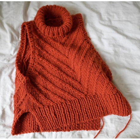 Rust Knitwear Lines Slipover [Strickset]
