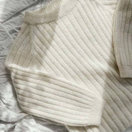 Eira Sweater Novemberknits Strickanleitung und Wolle