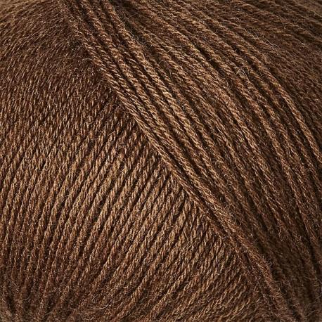 Knitting for Olive Merino Dark Cognac Detail